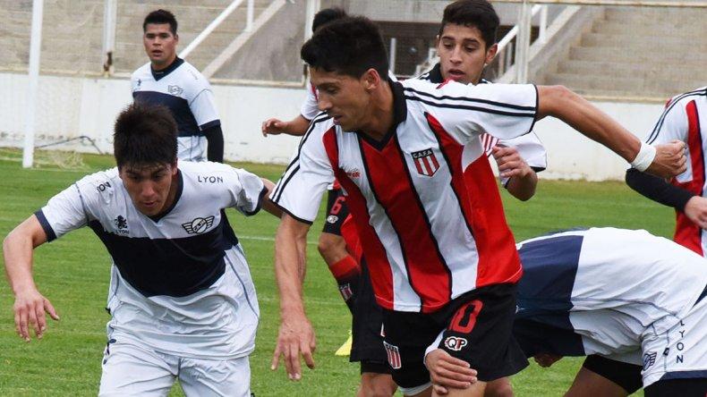 Mauro Villegas jugando para Ameghino