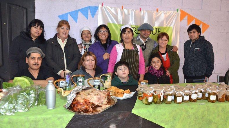 La muestra agroecológica de la Asociación de Productores Carelhue reunió a los productores que trabajan la tierra en la zona de chacras del Camino Roque González.