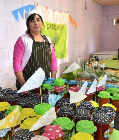 Los productores de las chacras y granjas del Roque González realizaron su primera feria