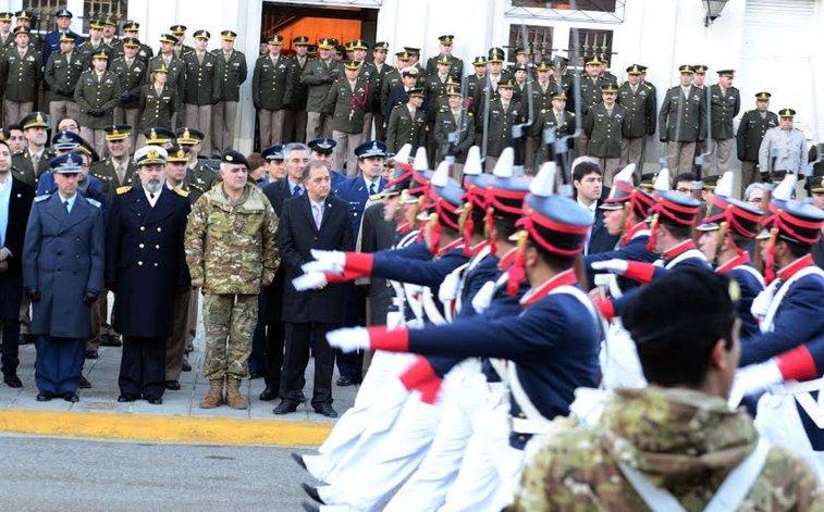 Comodoro celebró el Día de la Bandera
