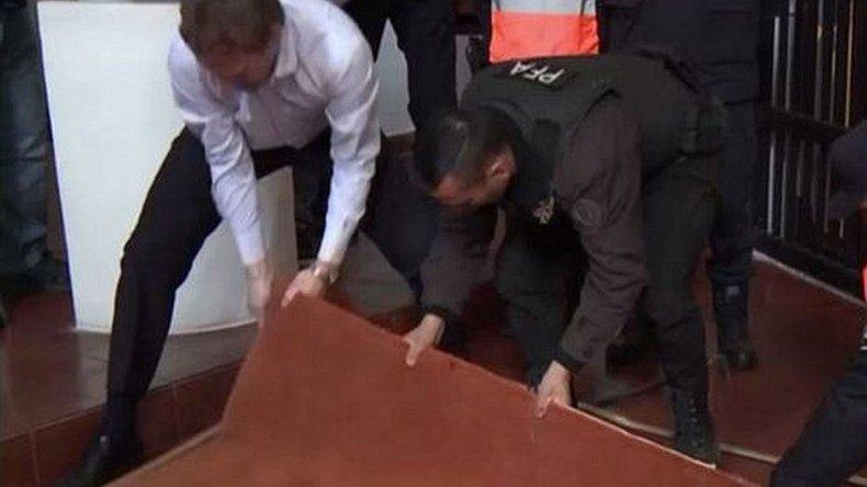 Encontraron una bóveda en el convento donde detuvieron a López