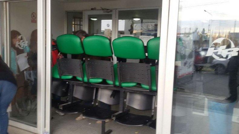 Trabajadores de APROSA y ATE  tomaron el hospital de Río Gallegos