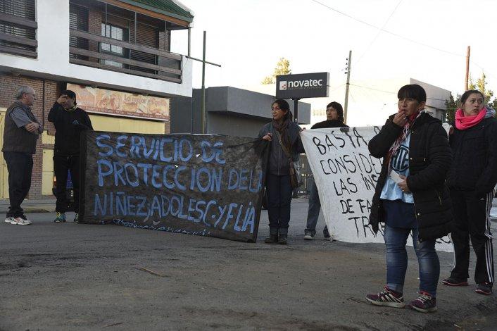 Los trabajadores del Servicio de Protección de Derechos habían iniciado el 5 de mayo su última protesta.
