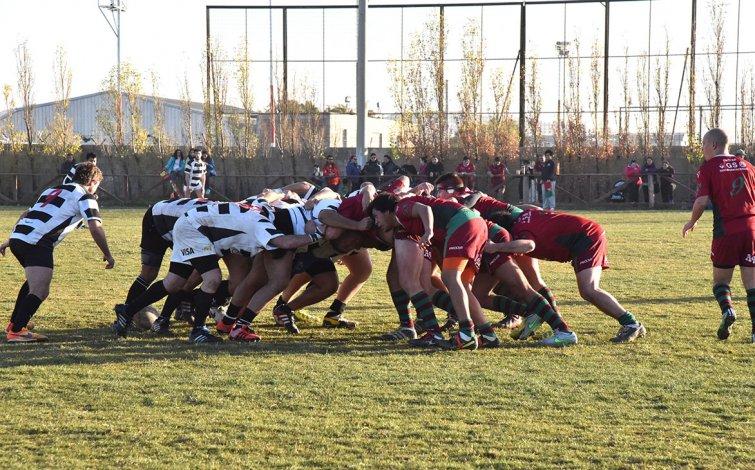 Escena del partido donde el jugador de Portugués agredió a un rival de San Jorge.