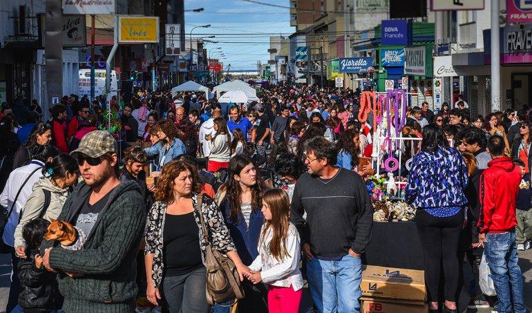 A fines de febrero ya se realizó con éxito en Comodoro Rivadavia la primera experiencia de un centro comercial a cielo abierto sobre la calle San Martín.