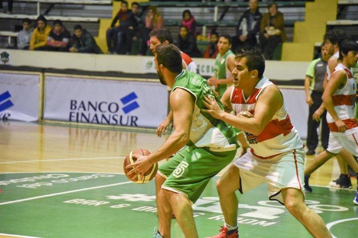 Deseado Juniors viene de eliminar en cuartos de final a Petroquímica en un partido que se jugó en el Socios Fundadores.
