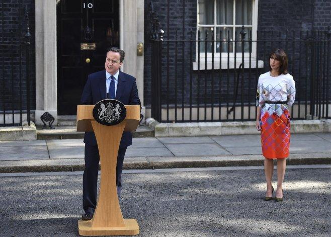 Cameron renunció tras perder el referéndum para permanecer en la UE.