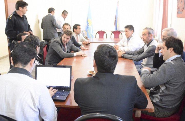 En la Unidad Regional los sectores enfrentados en el Sindicato de Obras Sanitarias acordaron no afectar con sus diferencias a la población de la región.