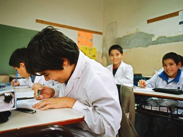 Diputados aprobó un proyecto para extender el año escolar