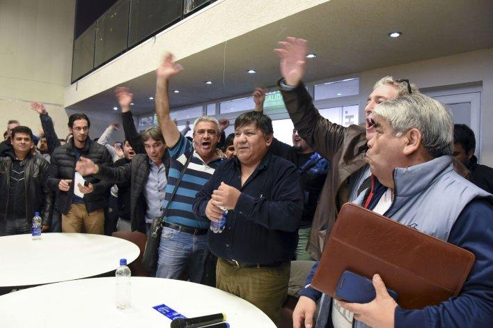 Petroleros ratificaron el paro por 48 horas y amenazan con extenderlo