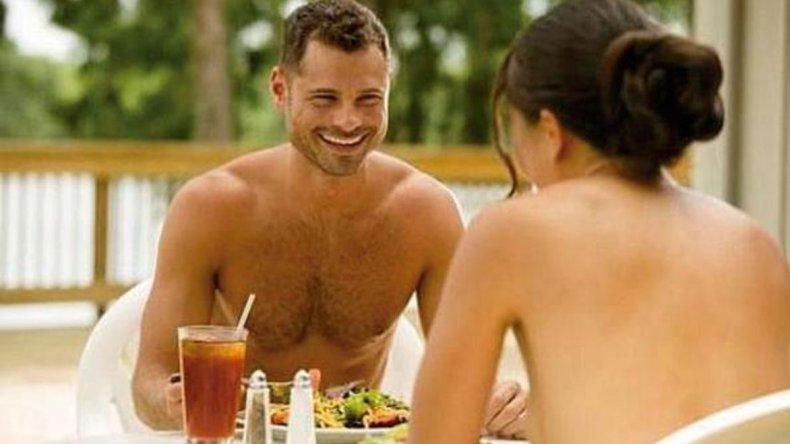 En medio del auge de los restaurantes nudistas