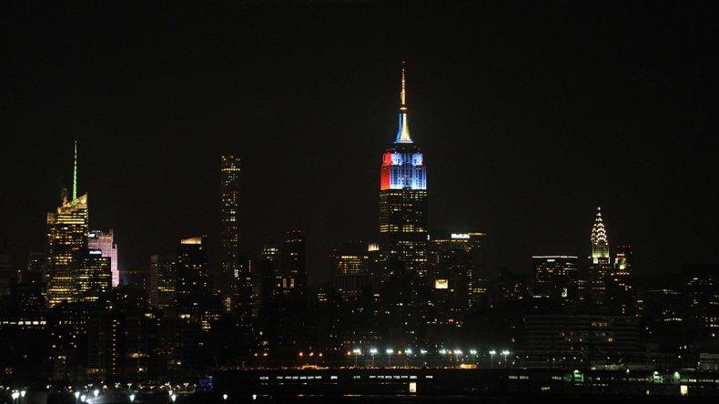 El Empire States lució con  los colores de los finalistas