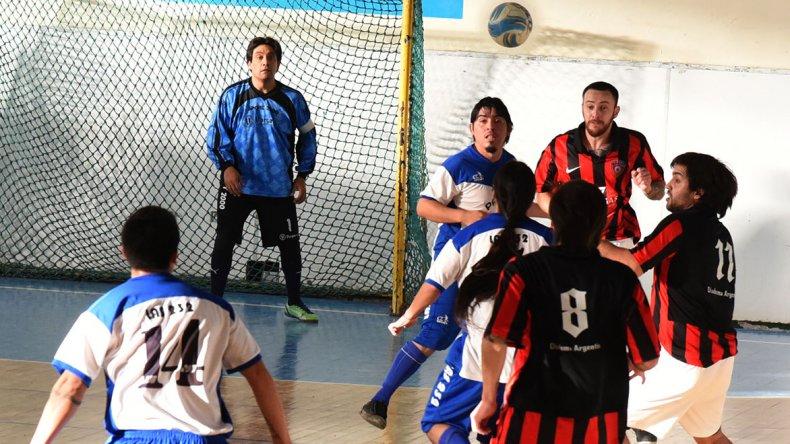 El fútbol de salón de Comodoro Rivadavia continuará hoy con toda su programación.