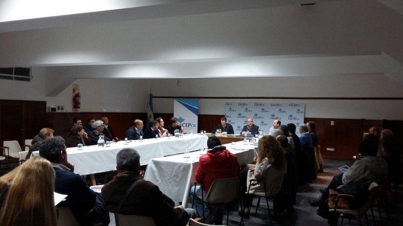 El encuentro de representantes de la Cámara de Comercio con el ministro de Hidrocarburos.