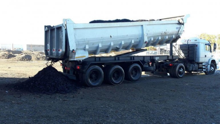 Desde Río Turbio se enviaron cargamentos de carbón para familias que no poseen gas natural y residen en Caleta Olivia