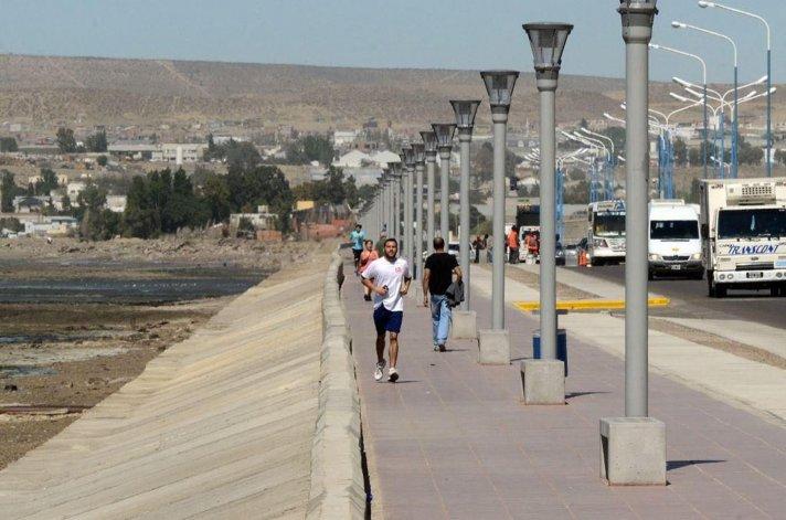 Dentro de los proyectos aeróbicos costeros ya se encuentra finalizado el que bordea la costa del sector céntrico.
