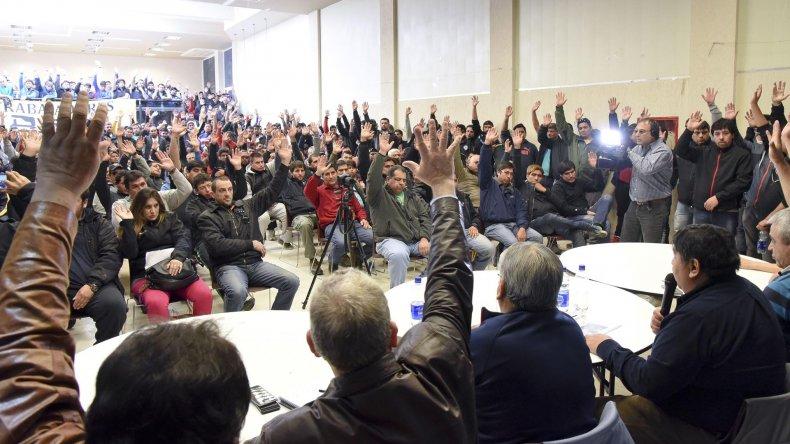 El plenario del Sindicato de Petroleros Privados Chubut resolvió el sábado en forma unánime adherir al paro.