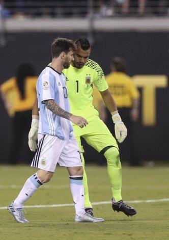 Para Romero, Messi habló de su retiro  en caliente
