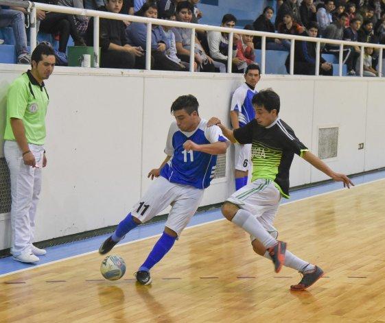 UOCRA eliminó a Sindicato Petrolero al ganarle 6-3 y se clasificó para jugar una de las semifinales del torneo Apertura.
