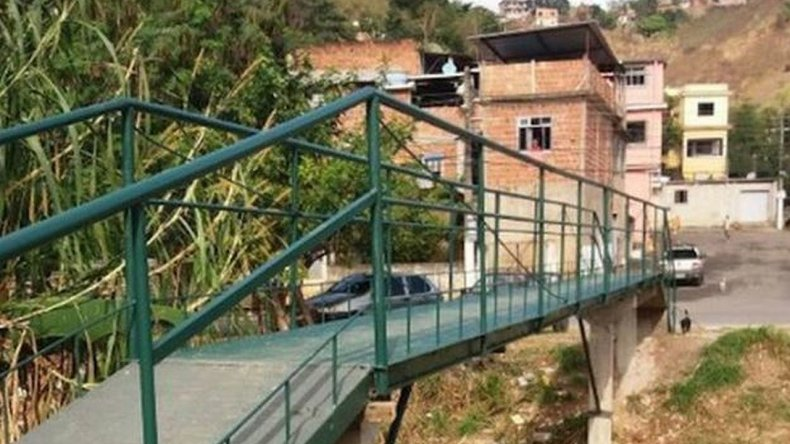 Vecinos construyeron un puente 54 veces más barato que el presupuesto del Gobierno