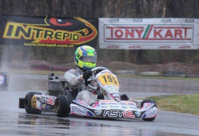 Lorenzo Astiz llega cuarto en el campeonato de la Junior Max.