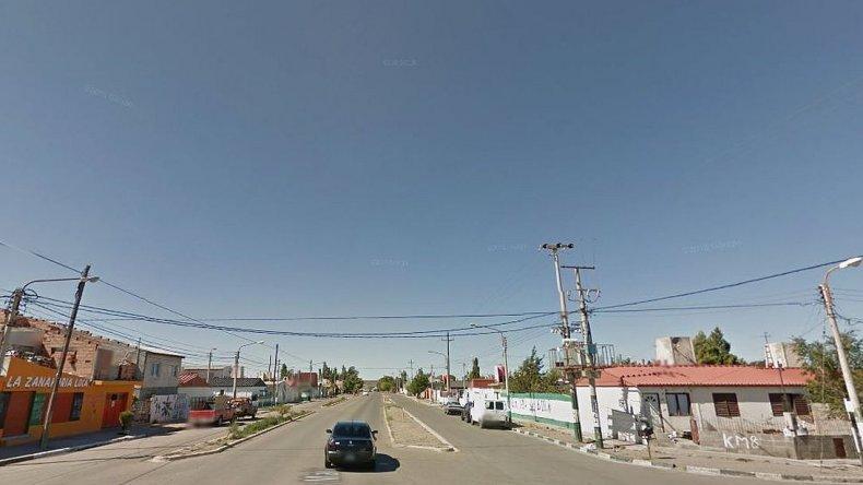 Estacionó para ir a comprar a un kiosco y le robaron la camioneta con 40 mil pesos