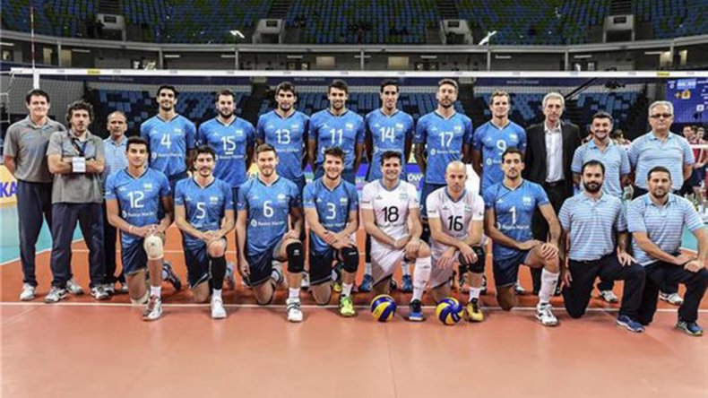 La selección nacional masculina de vóleibol se presentará hoy temprano en Irán para jugar frente a Italia.