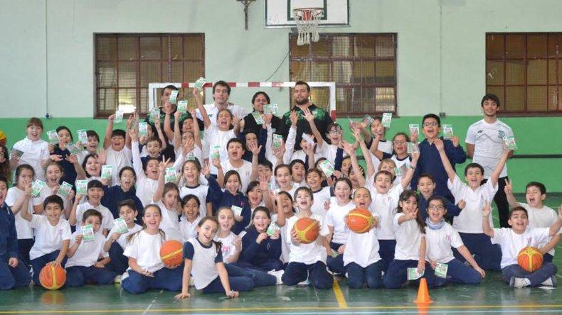 Gimnasia arrancó con su proyecto en las escuelas.