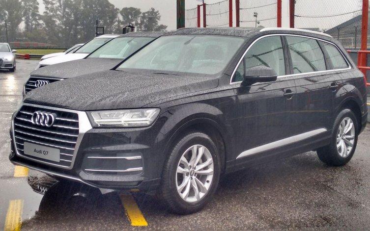 Audi presentó formalmente los nuevos A4 y Q7