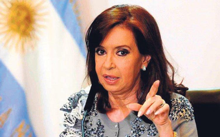La ex presidente insiste sobre la inusitada virulencia de la campaña de persecución contra su gobierno.