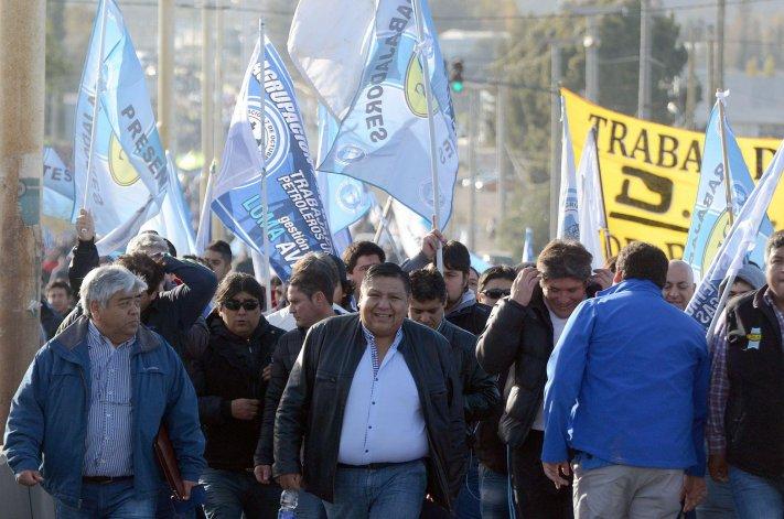 En medio de la crisis, Ávila advirtió que pedirá el bono navideño