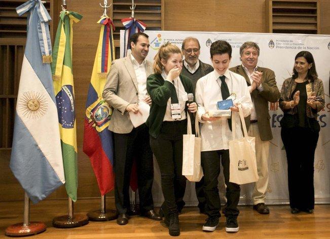 La Escuela Industrial de Caleta Olivia presentó tres trabajos de investigación en la Feria Internacional de Emprendedorismo y uno de ellos obtuvo el primer premio.