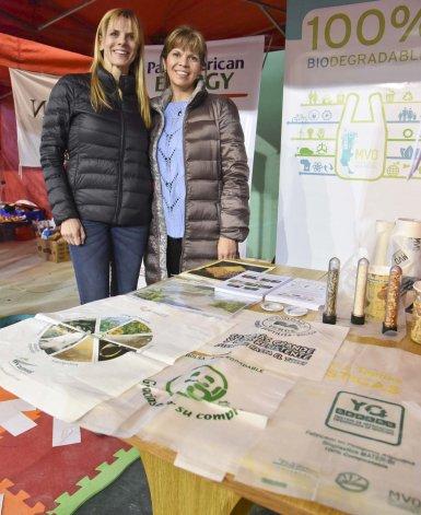 Mariana Ré y Mariana Vergara Quindimil de MVQ Patagonia Bioplásticos.