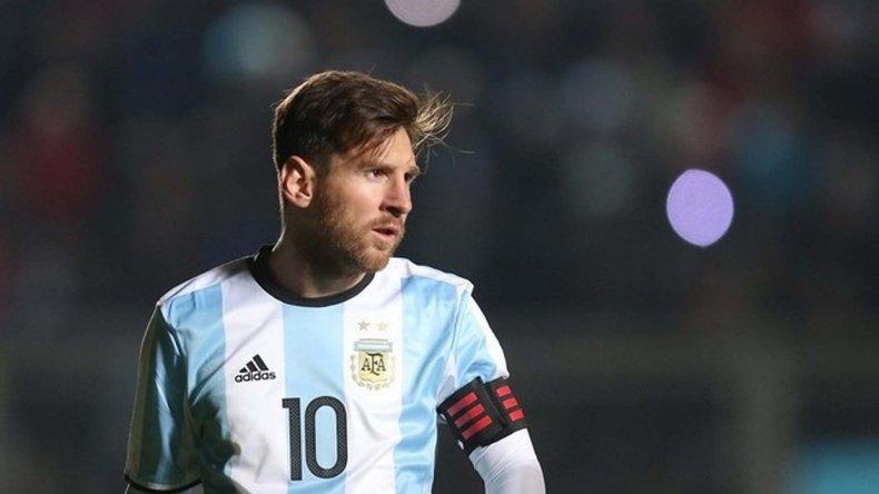 Leo Messi sorprendió al mundo futbolístico al renunciar a la Selección