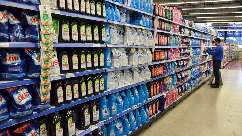 Los productos de limpieza es donde más se nota la diferencia de precios entre las marcas líderes y las segundas marcas.