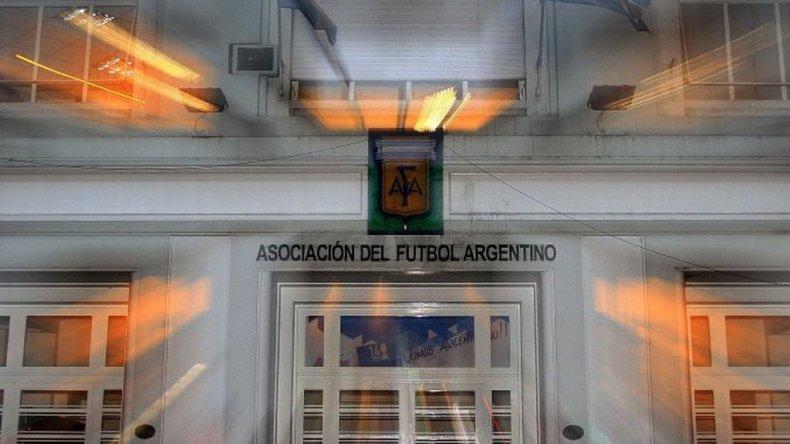 Hoy se definirá si comienza o no el fútbol argentino
