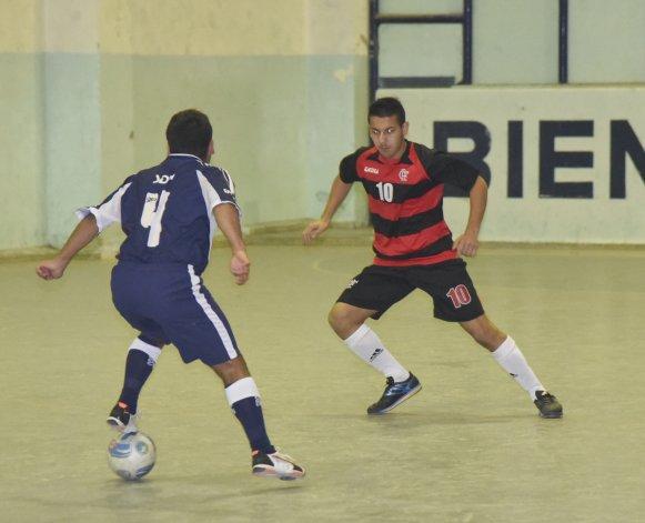 Flamengo goleó 5-0 a El Lobito B en la categoría Juvenil Honor y lidera el campeonato.