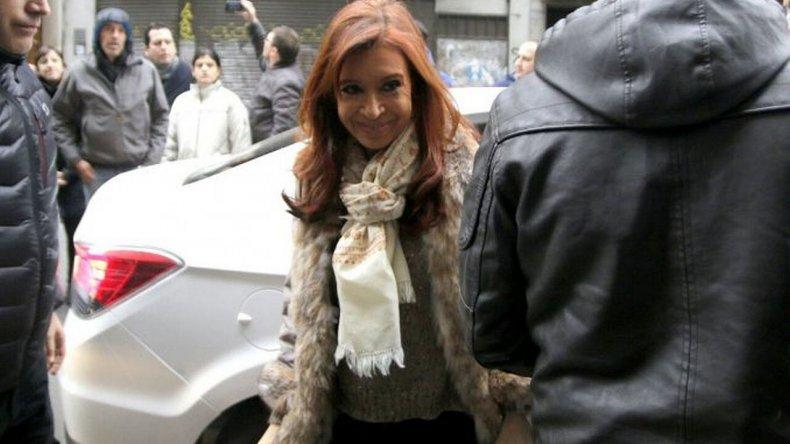 Bonadio inhibió todos los bienes de Cristina Fernández