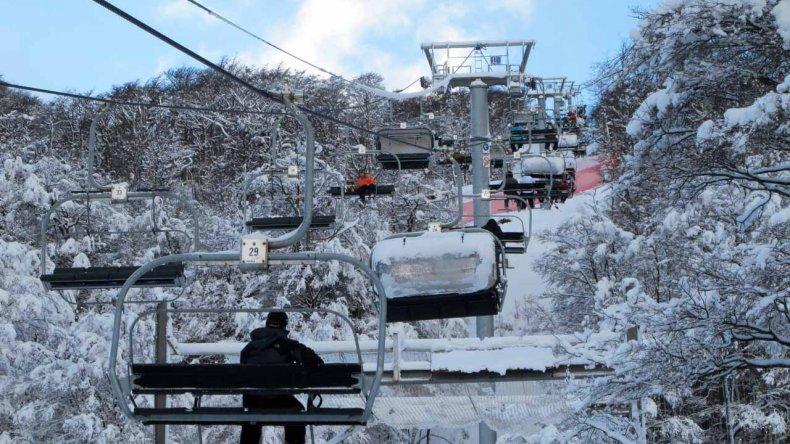 Cerro Castor abrirá el viernes