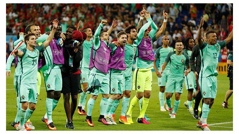 Portugal festejó ante Gales y espera por Francia o Alemania.