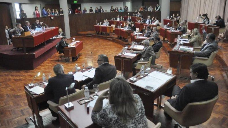 La extranjerización de la tierra mereció planteos en la última sesión de la Legislatura.