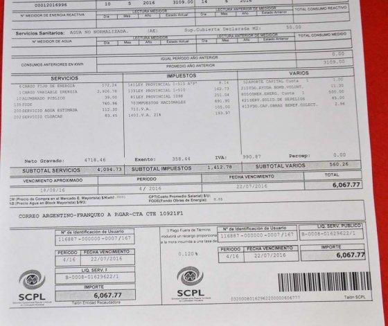 La factura que recibió uno de los usuarios en la Fracción 14.