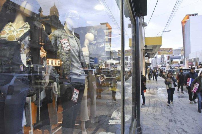 Los comercios de Comodoro Rivadavia aprovecharán el feriado puente para intentar recuperar su nivel de ventas.