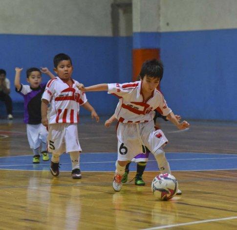 Los chicos jugaron ayer viernes por una nueva jornada de la Copa Alexis Cabrera.