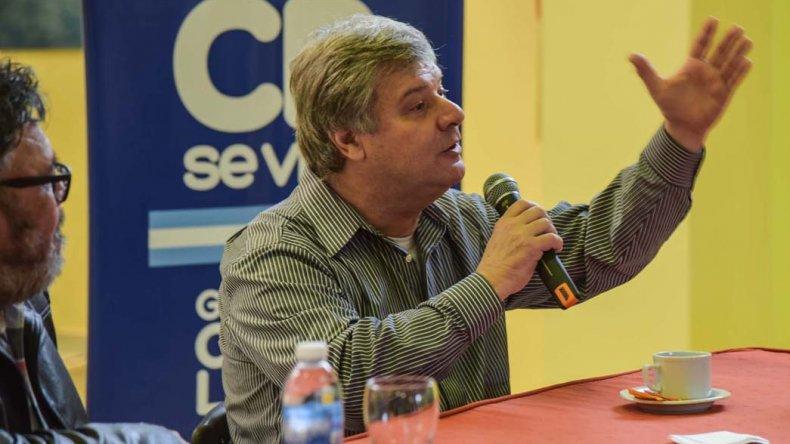 Osvaldo Príncipi en la charla abierta a la comunidad donde habló de boxeo