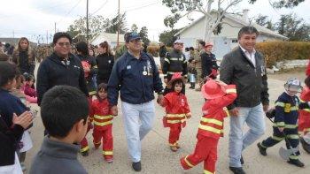 En Kilómetro 11 se realizó un desfile alusivo al 9 de Julio con instituciones invitadas.