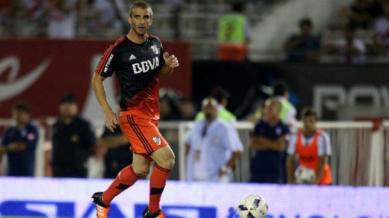 El uruguayo Iván Alonso será esta noche uno de los delanteros titulares en el ataque millonario.