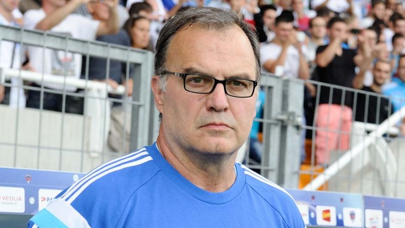 Marcelo Bielsa es uno de los firmes candidatos para hacerse cargo de la selección argentina.