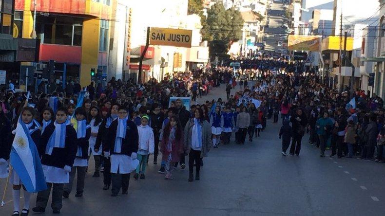 Así se vivió el desfile cívico militar en las calles de Comodoro