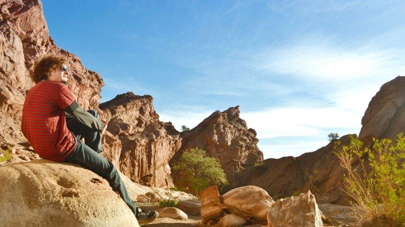 El Vallecito Encantado es un espacio natural de la era Paleozoica que actualmente presenta un paisaje rico en geoformas.